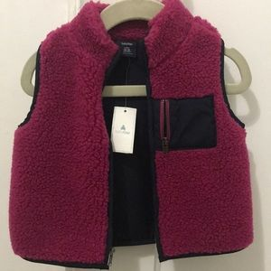 BNWT Baby Gap Magenta Fleece Vest, 12-18mo